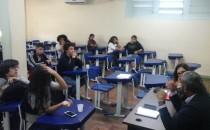 Unidade Contagem debateu Democracia e crises na política internacional e brasileira – 13 de junho de 2016