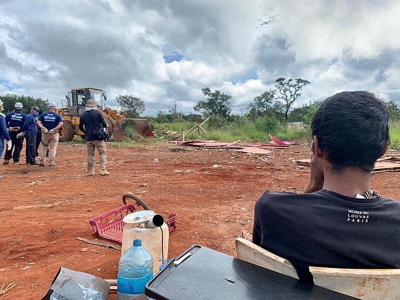 Ocupação do CCBB resiste há mais de 40 anos na área. Só durante a pandemia, as 38 famílias foram três vezes despejadas - Nayá Tawane (https://www.brasildefato.com.br/2021/04/05/gdf-autoriza-despejo-de-38-familias-em-brasilia-crime-humanitario-diz-advogada)